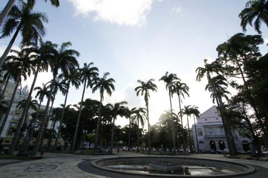 Jardins de Burle Marx e Campo de Santana entram para a lista de tombamento do Iphan, Praça da República é uma das seis que receberam proteção. © Ricardo Fernandes. Image via Diário de Pernambuco