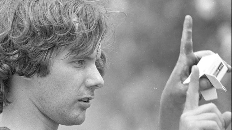 En perspectiva: Gordon Matta Clark, En: https://iamatters.wordpress.com/2014/01/06/heros-gordon-matta-clark-summer-1977/. Image