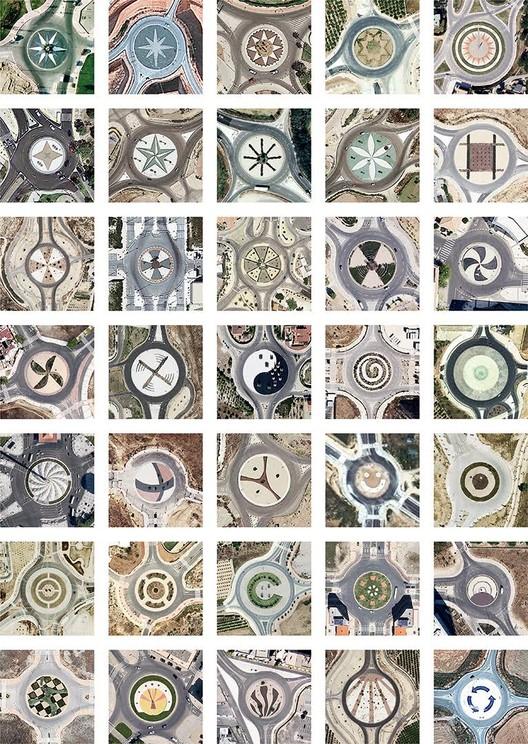 Localizaciones varias, mosaico de rotondas decoradas / 2000 - 2014. Image Cortesia de Nación Rotonda