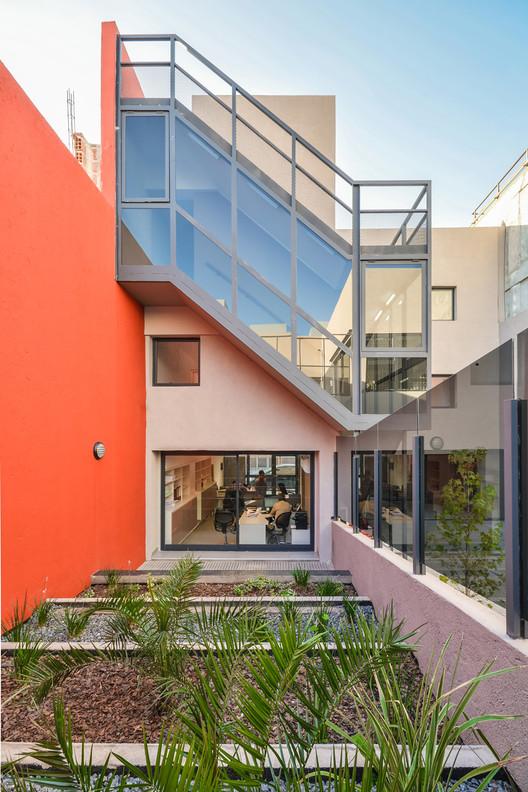 Oficinas c rdoba neto arquitectura archdaily colombia for Oficinas unicaja cordoba