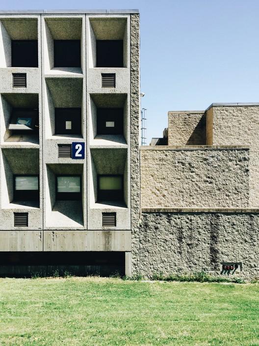 Marcel Breuer & Associates, Madison Park High School (1966-77). Image © Chris Grimley
