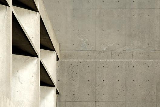 Le Corbusier with Sert, Jackson & Gourley, Carpenter Center for the Visual Arts (1963). Image © Mark Pasnik