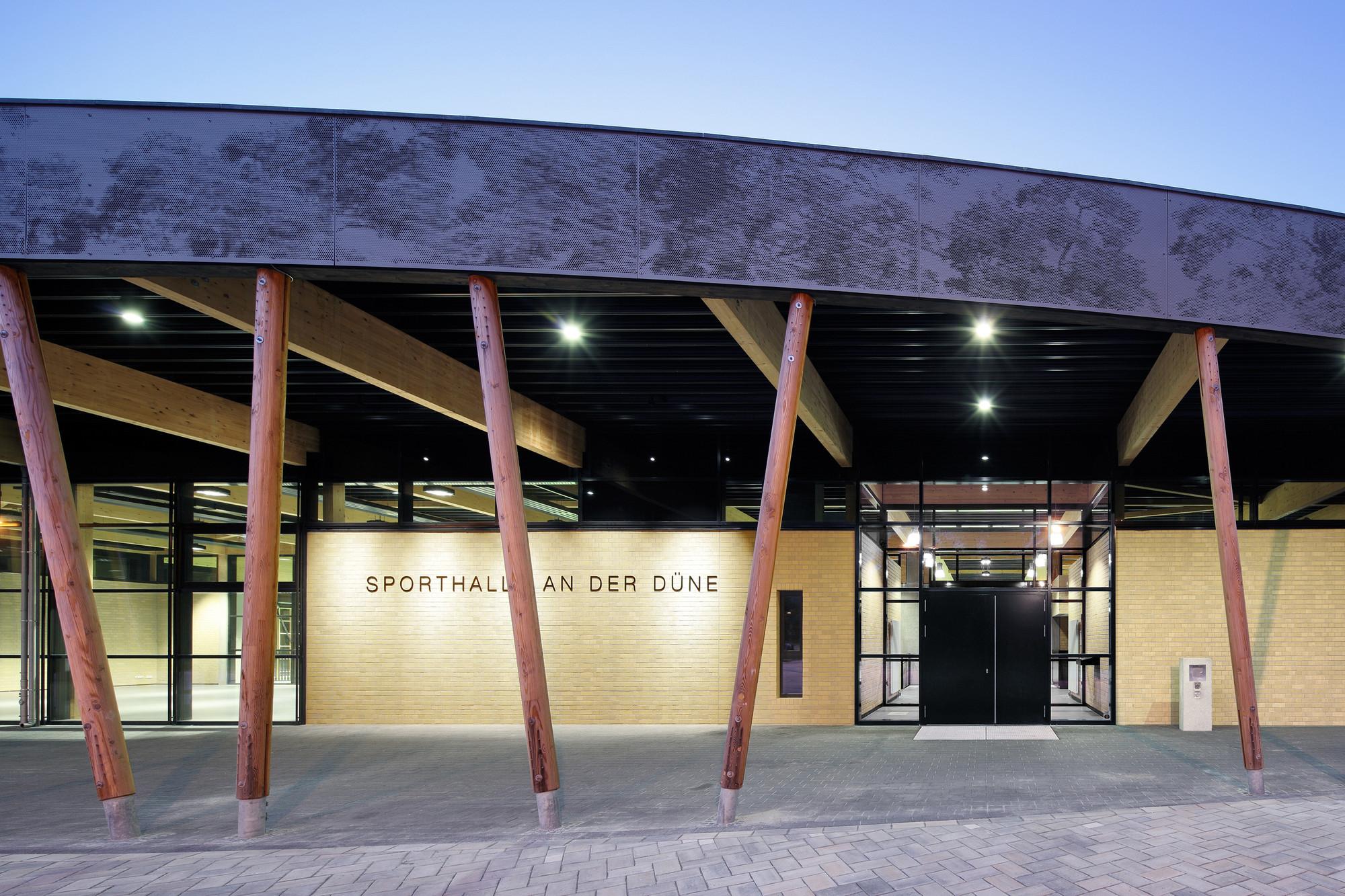 gallery of sports hall at schuldorf bergstrasse loewer partner architekten 10. Black Bedroom Furniture Sets. Home Design Ideas