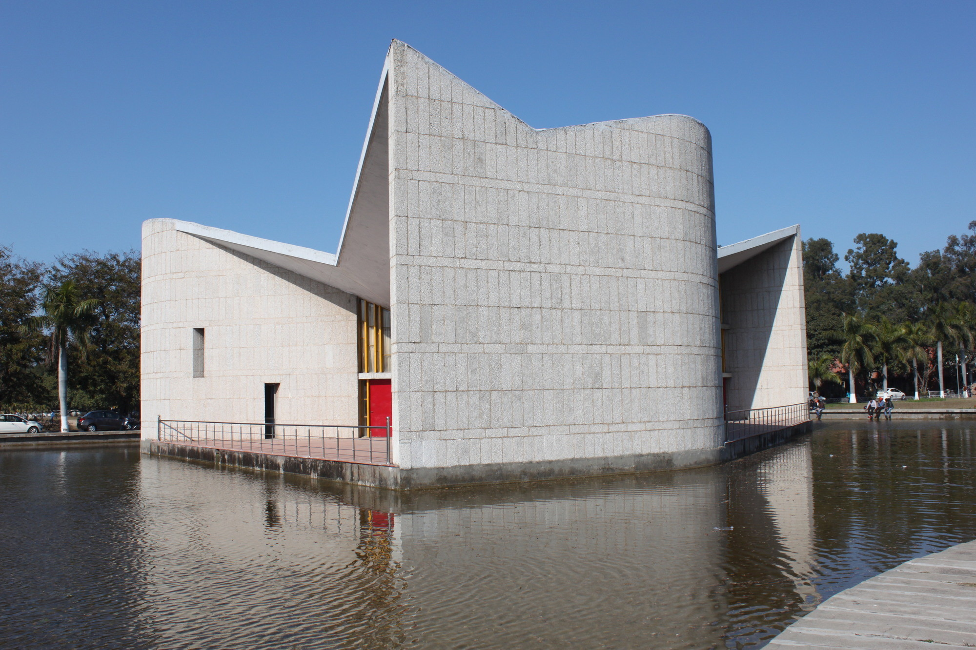 Gallery of 14 Modern Buildings Receive Conservation Grants from ...