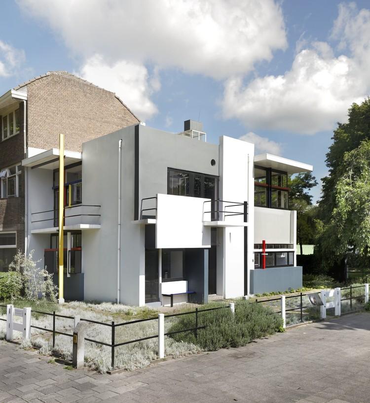 Casa Rietveld Schröder, Gerrit Th. Rietveld, 1924. La Casa Rietveld Schröder es parte del la colección del Centraal Museum. Imagen © Ernst Morritz