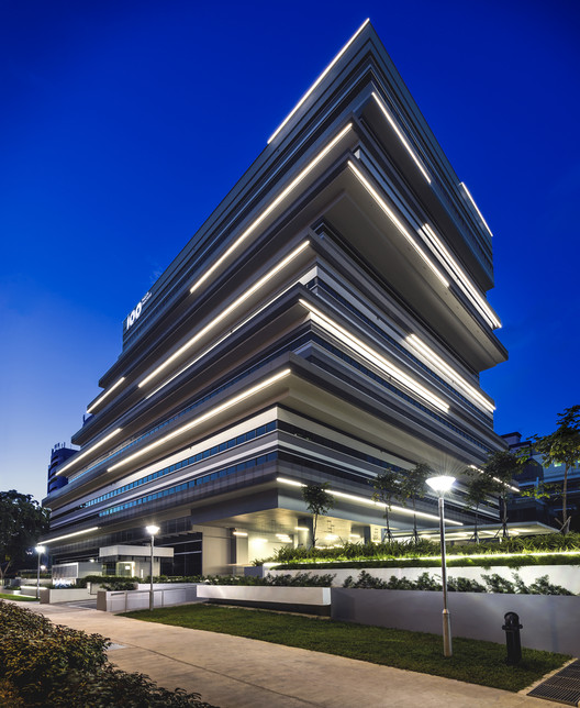 100PP Office Building / Ministry of Design