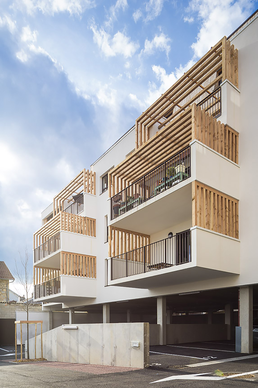 Residential Building Entrance Design