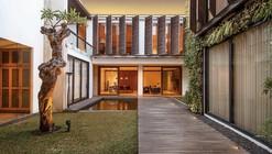 2628 Sister House / Pranala Associates