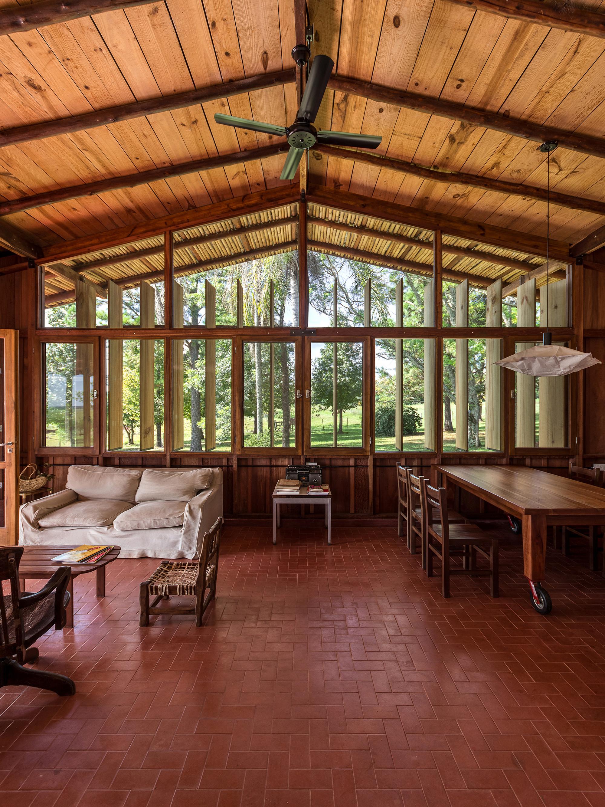 Casa la angela estudio cella plataforma arquitectura for Estudios de arquitectura la plata