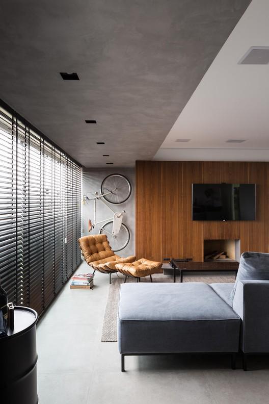 Apartamento JB / AMBIDESTRO, © Marcelo Donadussi