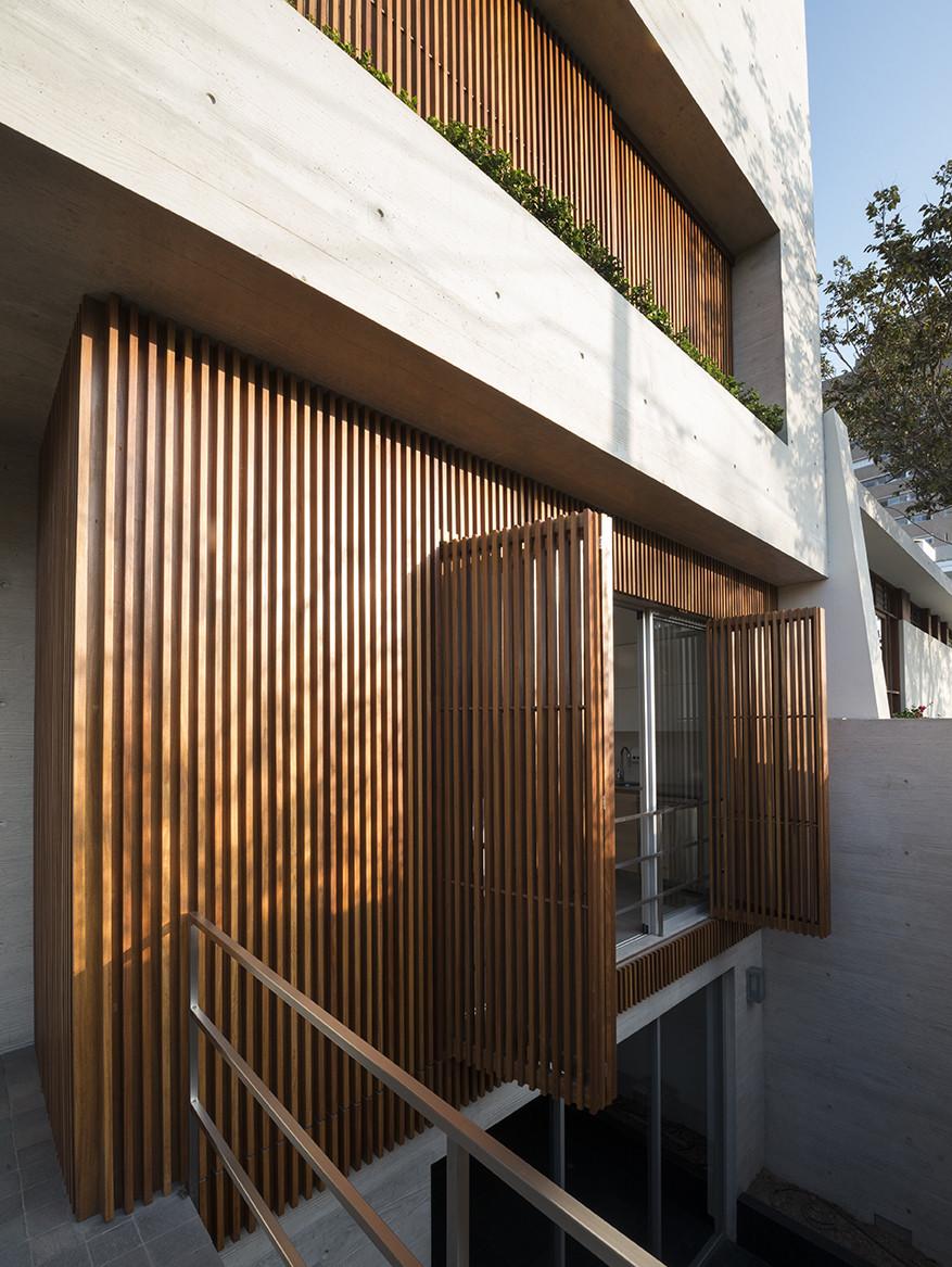 Galeria de casa v jaime ortiz de zevallos 3 - Barnices para madera exterior ...