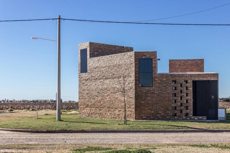 Alfonsina House / CEKADA-ROMANOS Arquitectos, © Juan Andrés Romanos