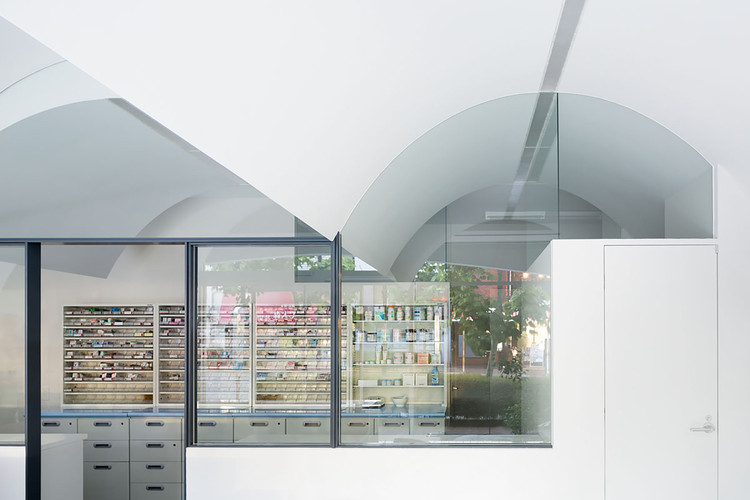 Pharmacy in Omori /  MAMM DESIGN, © Takumi Ota