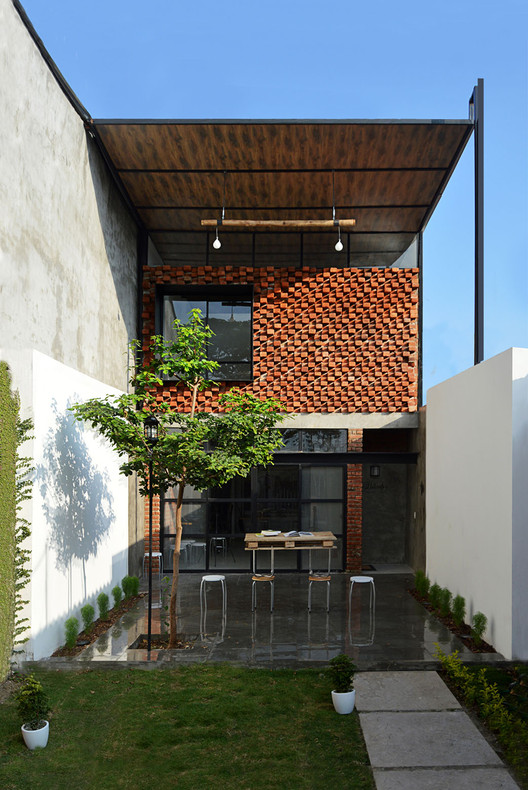 El Tallercito / Natura Futura Arquitectura, Cortesía de Natura Futura