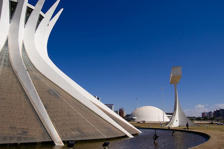 Projetos de arquitetura passam a receber incentivo da Lei Rouanet, Catedral de Brasília por Oscar Niemeyer, 1970. Image © Christoph Diewald, via Flickr. CC