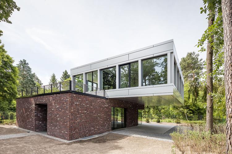 Villa en Potsdam / Tchoban Voss Architekten, © Martin Tervoort