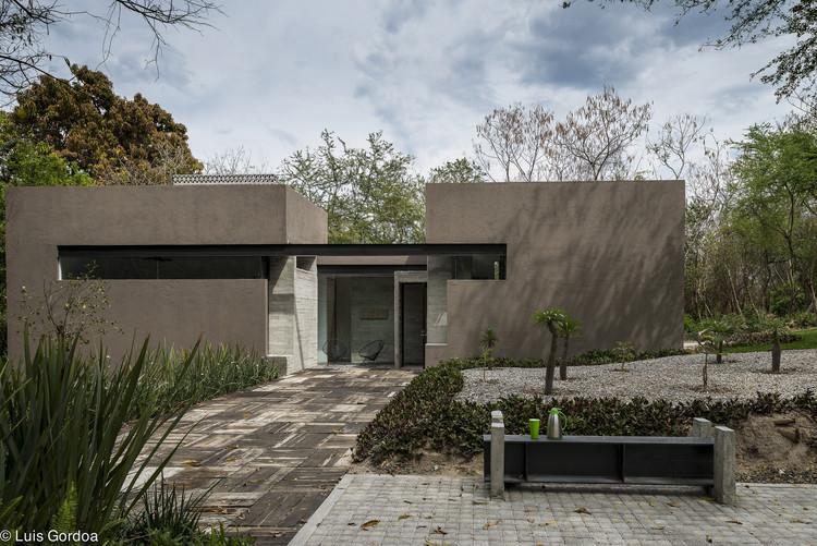 Casa RGT / GBF Taller de Arquitectura, © Luis Gordoa