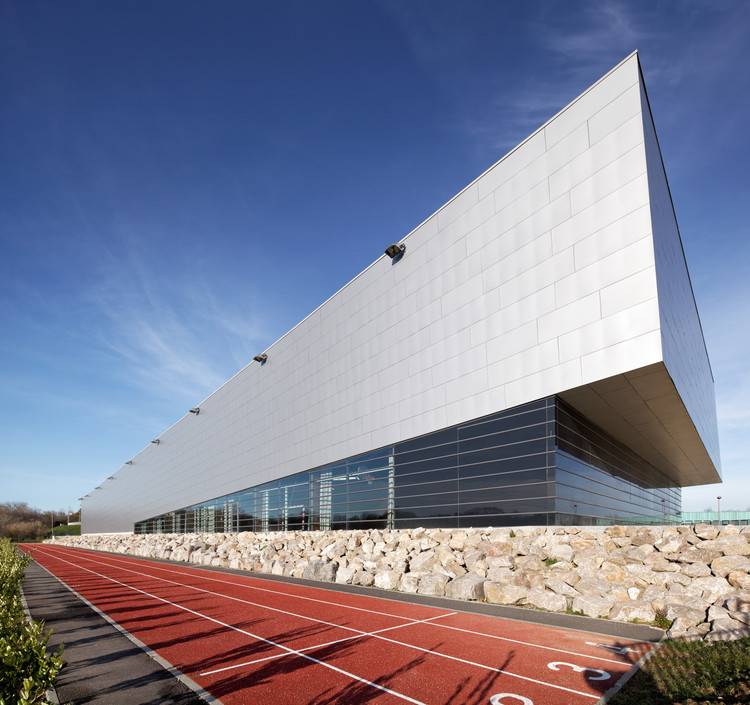 Gymnasium Dieppe / Chabanne and Partners Architects, © Hugo Hébrard