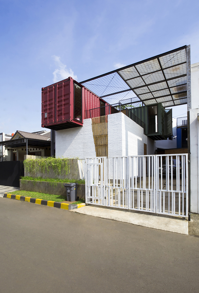 Container for Urban Living, Teddy Yunantha