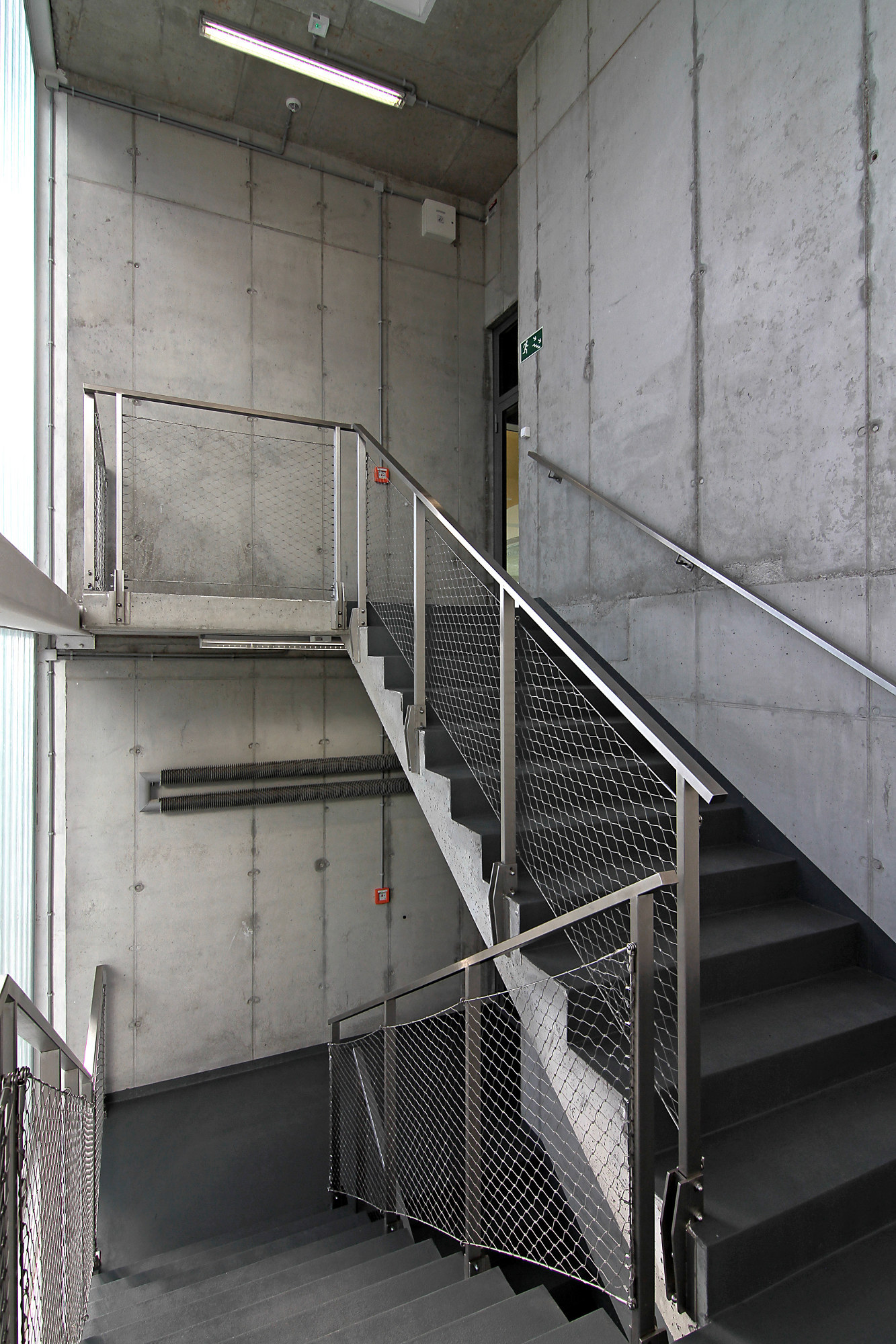 galer 237 a de centro deportivo en poznan neostudio