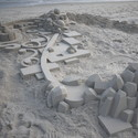 CALVIN SEIBERT SCULPTS IMPRESSIVE MODERNIST SANDCASTLES