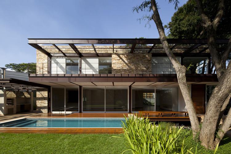 Residência Pau Brasil / Vasco Lopes Arquitetura, © Maira Acayaba