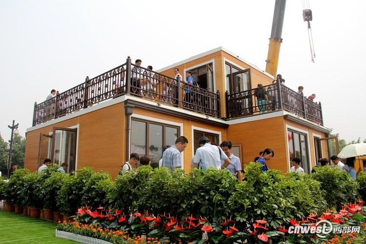Empresa chinesa monta casa modular em menos de 3 horas, via Xinhua