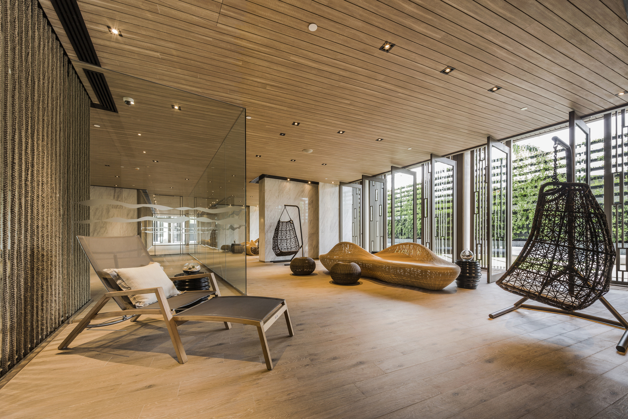 Gallery of baan plai haad steven j leach architects 11 for Hotel design ce