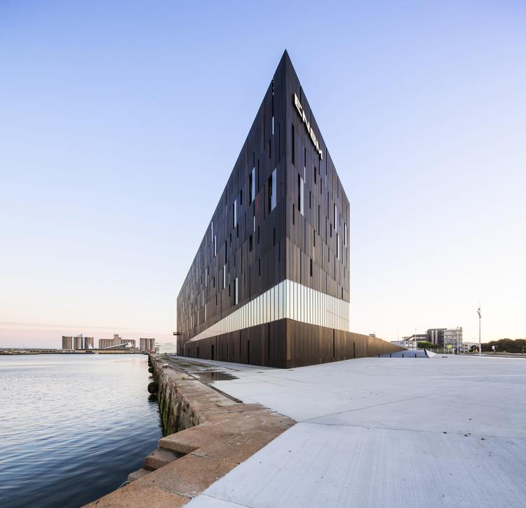 Escuela Marítima Nacional en Le Havre / AIA Associés, © Luc Boegly