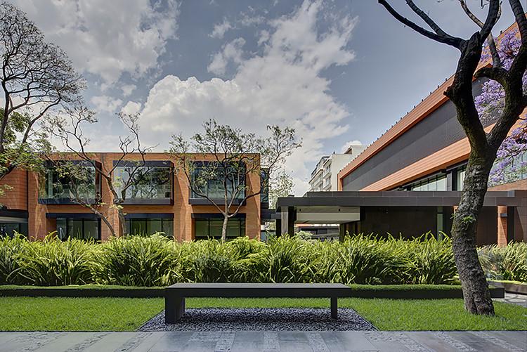 Ganadores de la Segunda Bienal de Arquitectura de la Ciudad de México, Medalla de Oro, Campus Corporativo Coyoacán de Colonnier y Asociados. Image © Frank Lynen