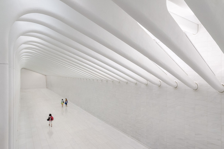 Inside Santiago Calatrava's WTC Transportation Hub in New York, © Michael Muraz