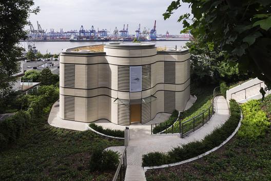 Architecture Pavilion / gmp Architects