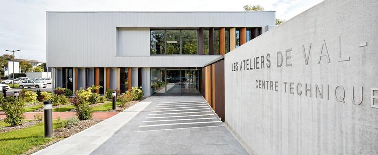 Municipal Technical Center  / STUDIOS Architecture, © Hugo Hébrard