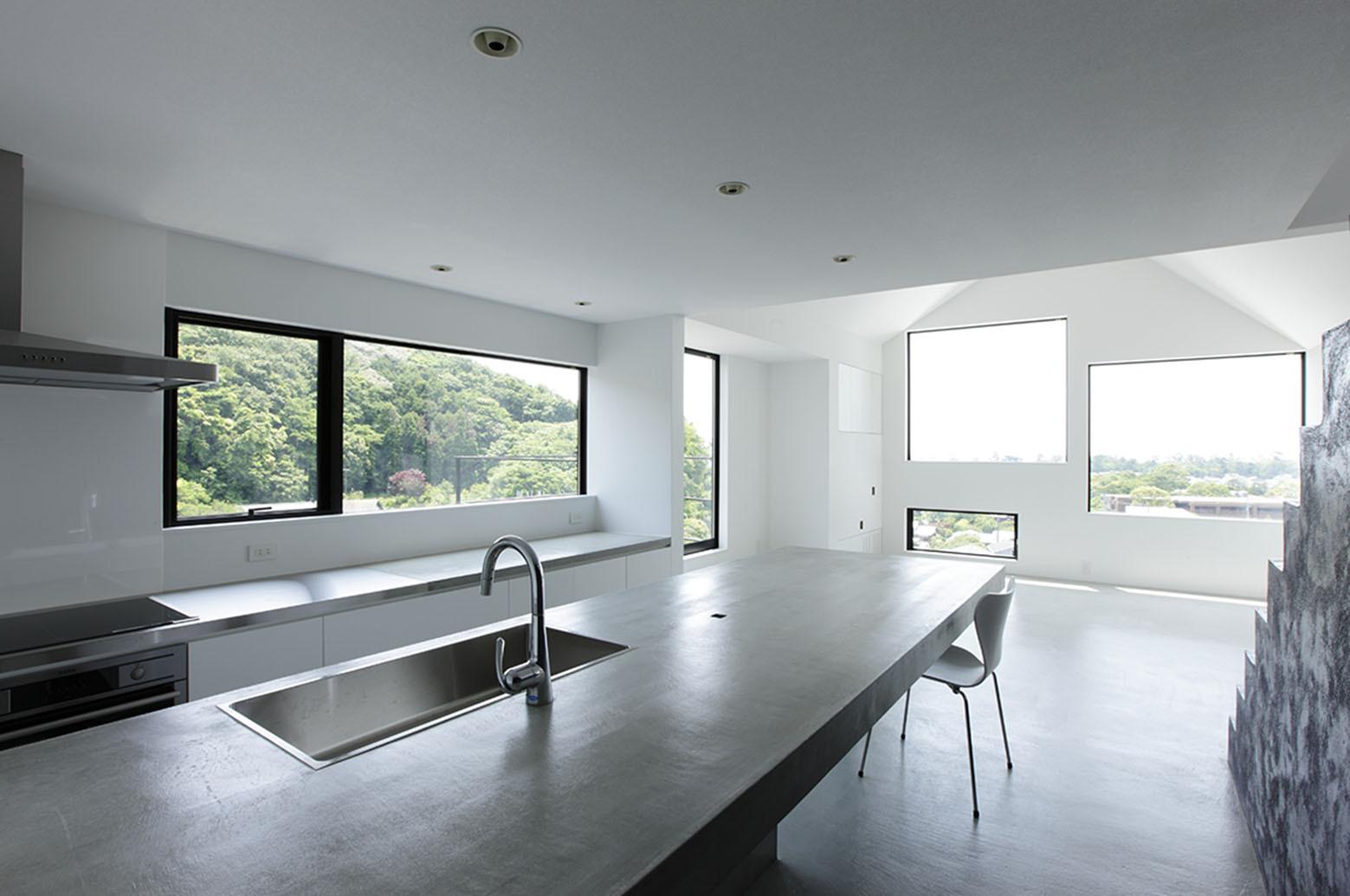 Sol hitoshi saruta plataforma arquitectura for Kitchen design 65 infanteria