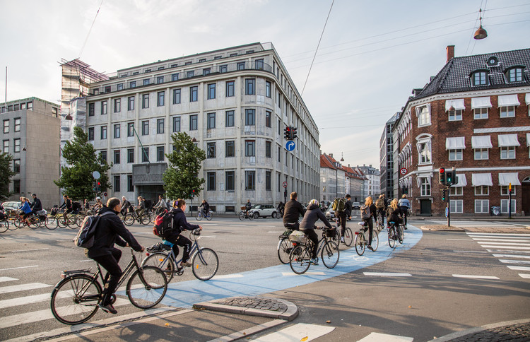7 Rules for Designing Safer Cities, Cyclists commute on dedicated pathways in Copenhagen, Denmark. Image © Flickr user Tony Webster