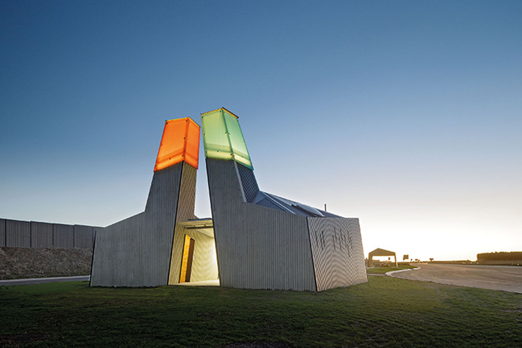 Geelong Truckstop / BKK Architects, © John Gollings