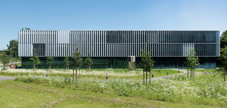 DLR Robotics and Mechatronics Center / Birk Heilmeyer und Frenzel Architekten, © Henning Koepke