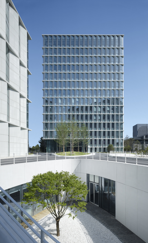 Galer a de edificio de oficinas 3cubes gmp architekten 6 for Oficina de infiltrados temporada 3