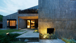 19 Sunset Place / ipli architects