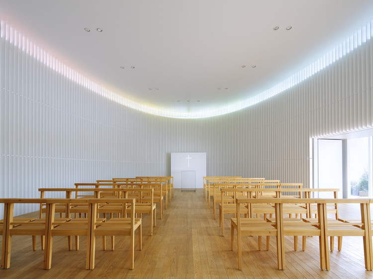 Rainbow Chapel / Kubo Tsushima Architects, © Koji Fujii / Nacasa and Partners