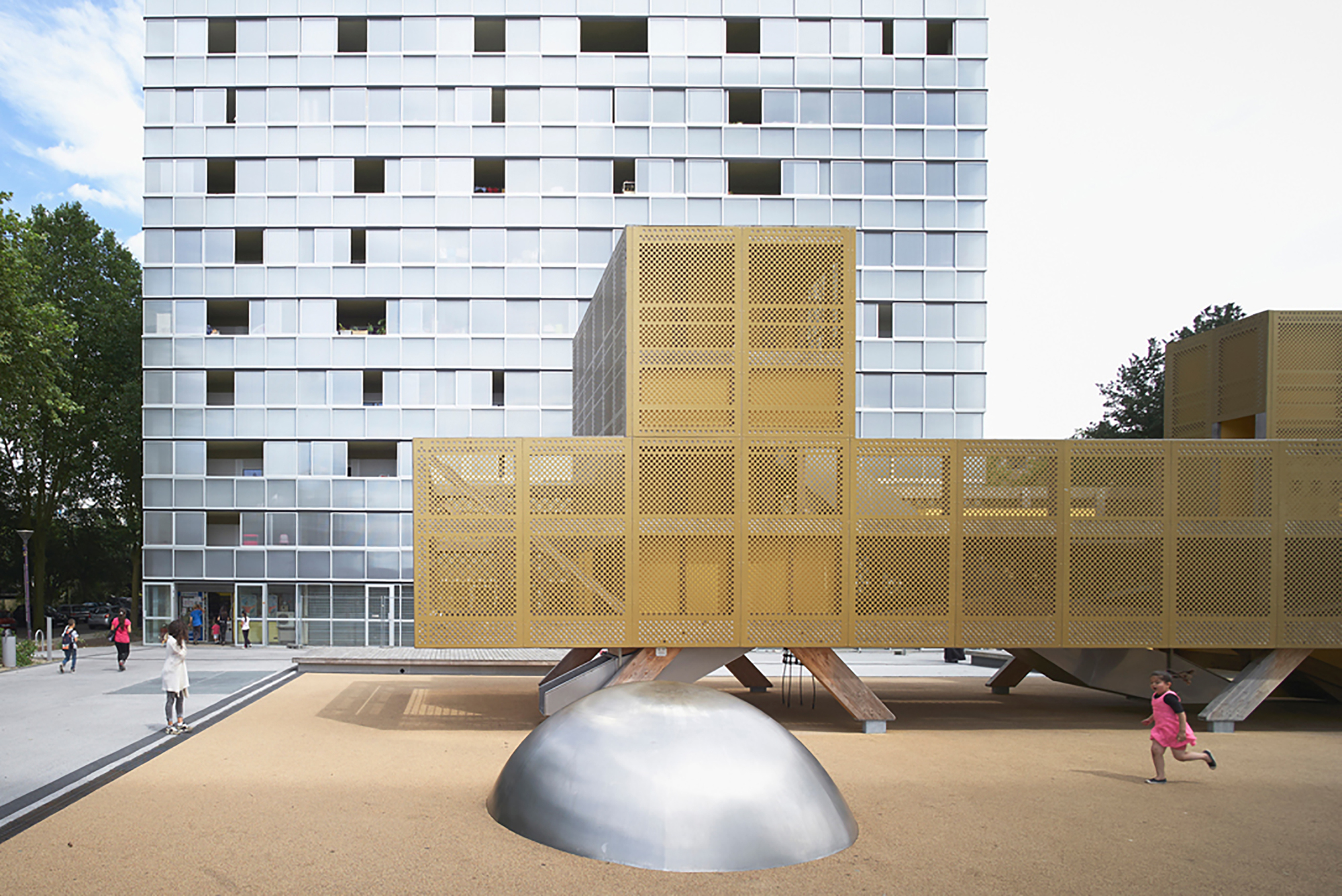 Urban renovation lormont lan architecture archdaily - Architectuur renovatie ...