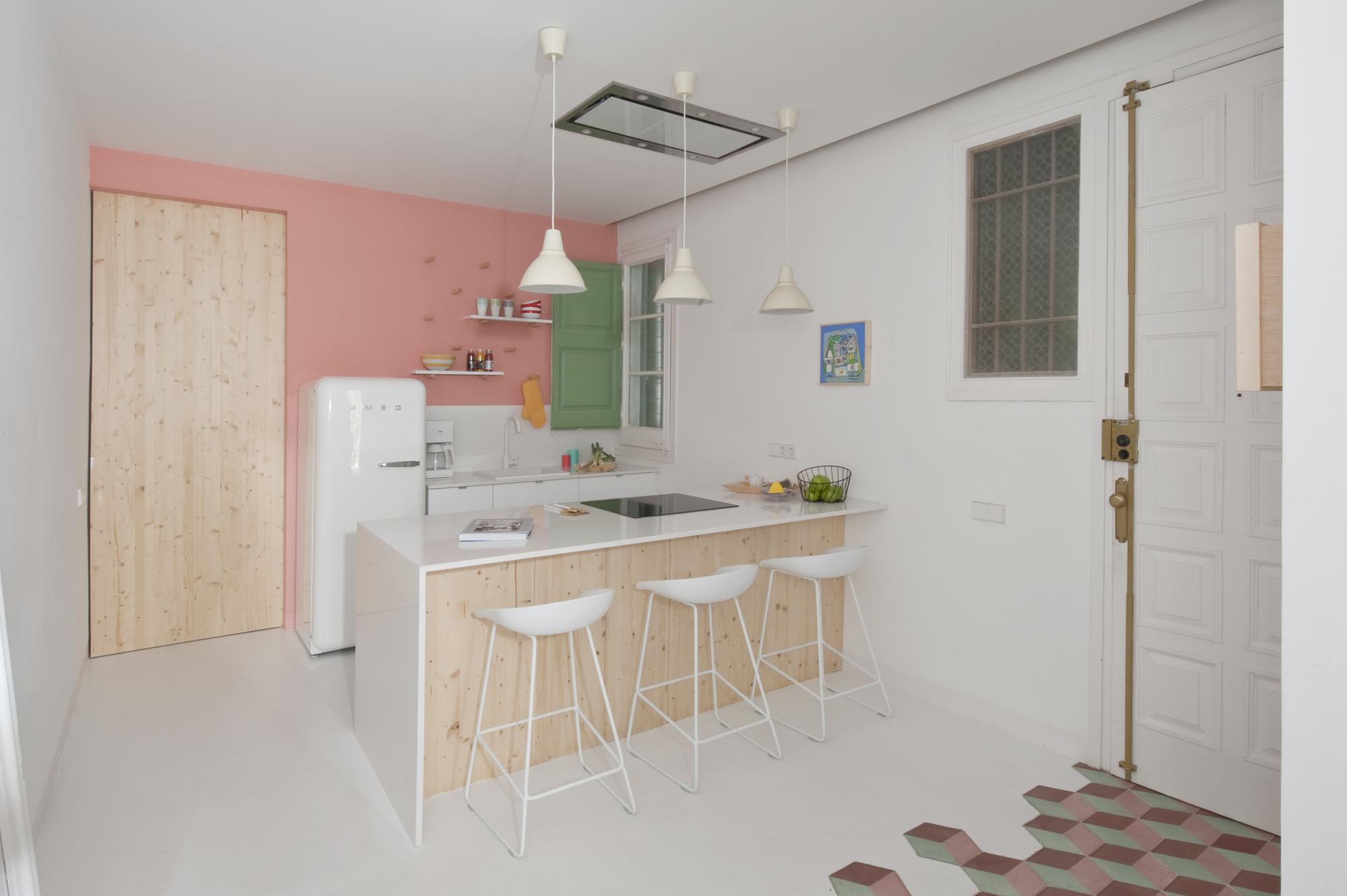 Gallery of tyche apartment casa margherita serboli 9 for Cocina y salon integrados
