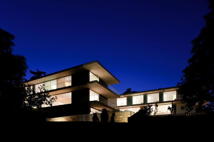 Houses in Paço de Arcos / Atelier Central Arquitectos, © Fernando Guerra | FG+SG