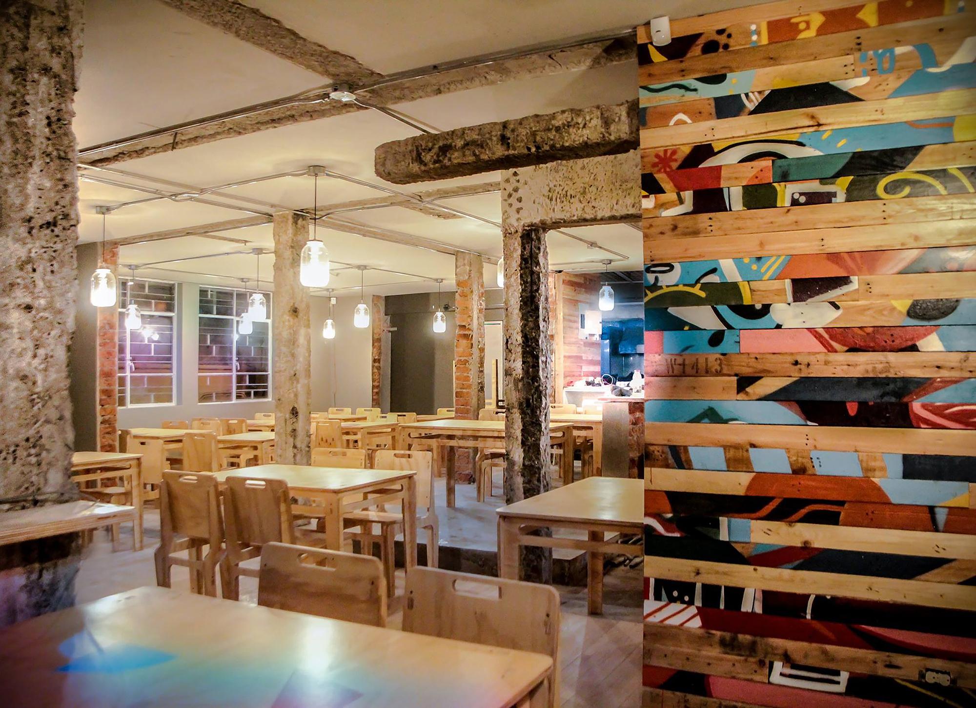 Glitch Bar Restaurante / Rama Estudio
