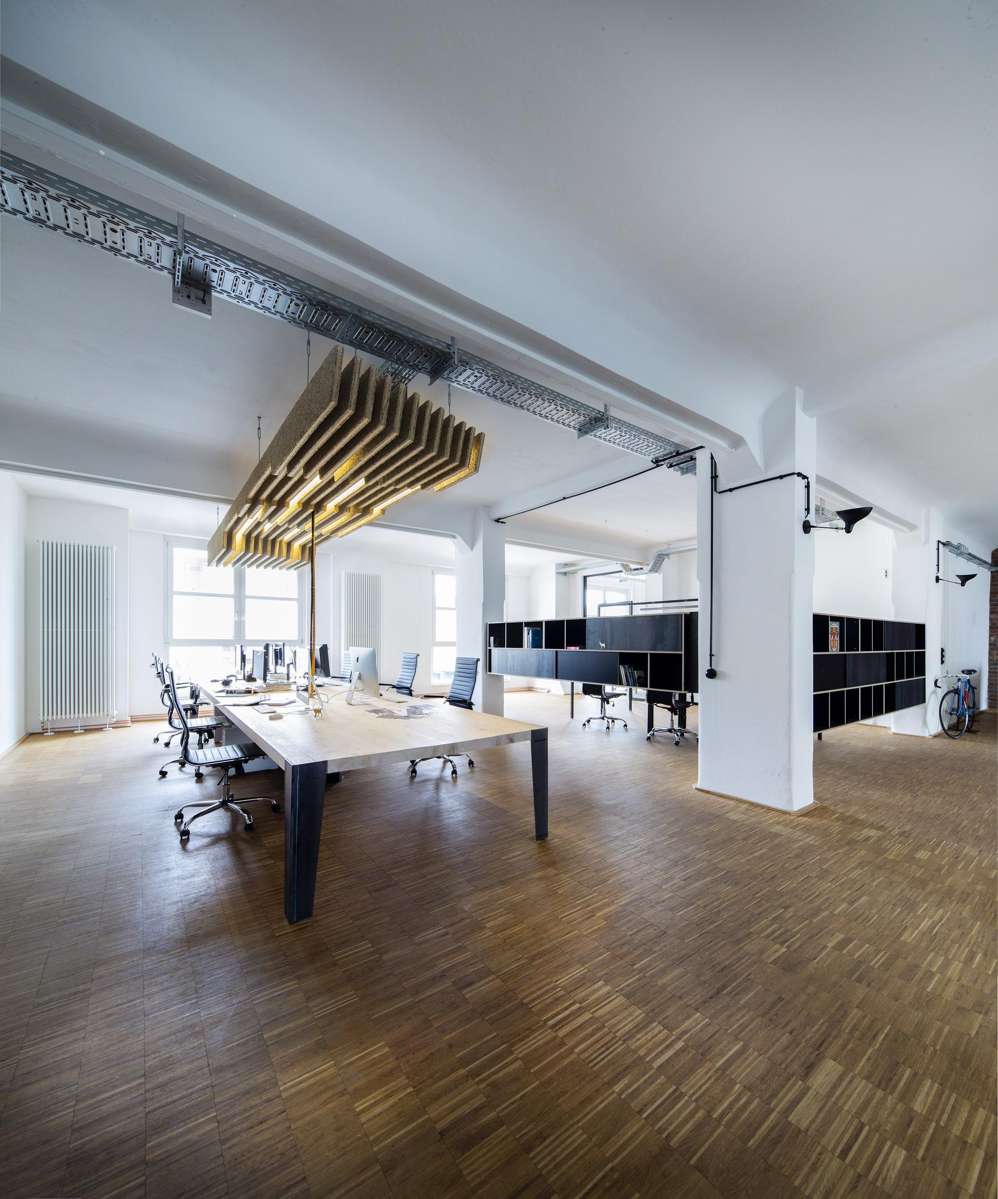 Zum goldenen hirschen office extension sch ne r ume architektur innenarchitektur archdaily - Innenarchitektur frankfurt ...