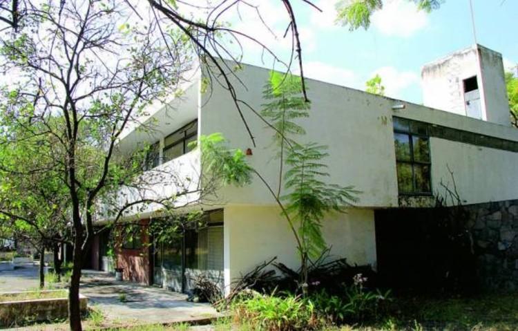 Fue demolida la Casa Aguilar Figueroa, emblema del movimiento moderno en Guadalajara, vía máspormás Gdl