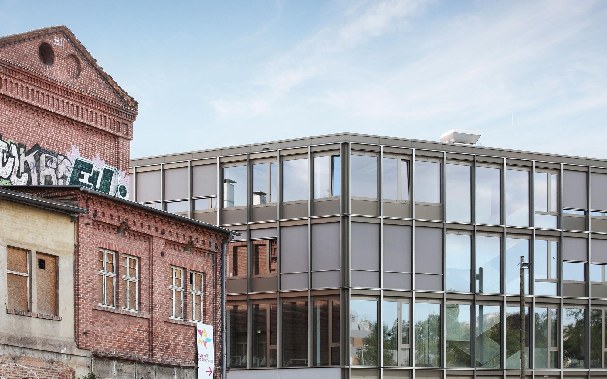 gallery of science park kassel birk heilmeyer und frenzel architekten 7. Black Bedroom Furniture Sets. Home Design Ideas