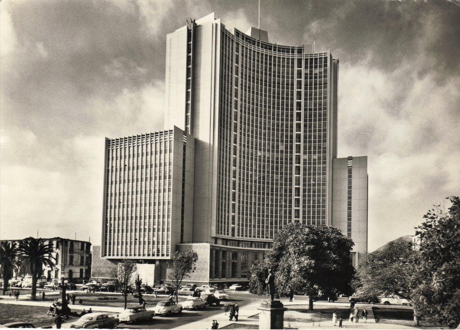 Galer a de cl sicos de arquitectura ministerio de for Ministerio de educacion plazas
