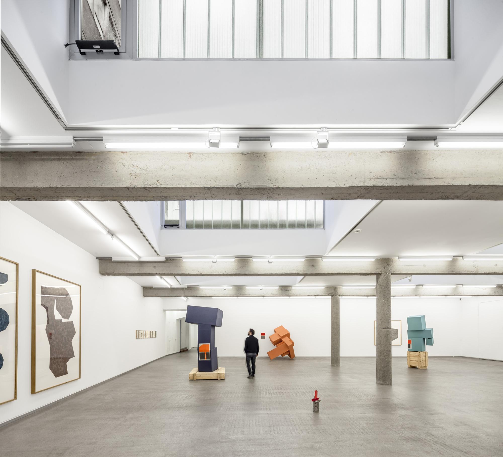 Carreras m gica contemporary art gallery estudio - Estudios arquitectura bilbao ...