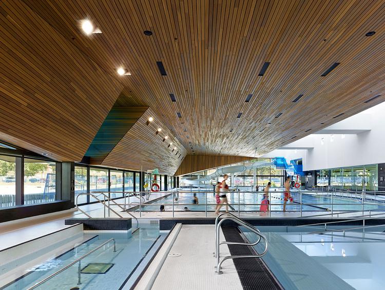 Regent Park Aquatic Centre / MacLennan Jaunkalns Miller Architects, © Shai Gil